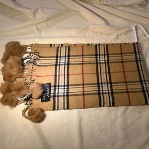Plaid Burberry style fur scarf